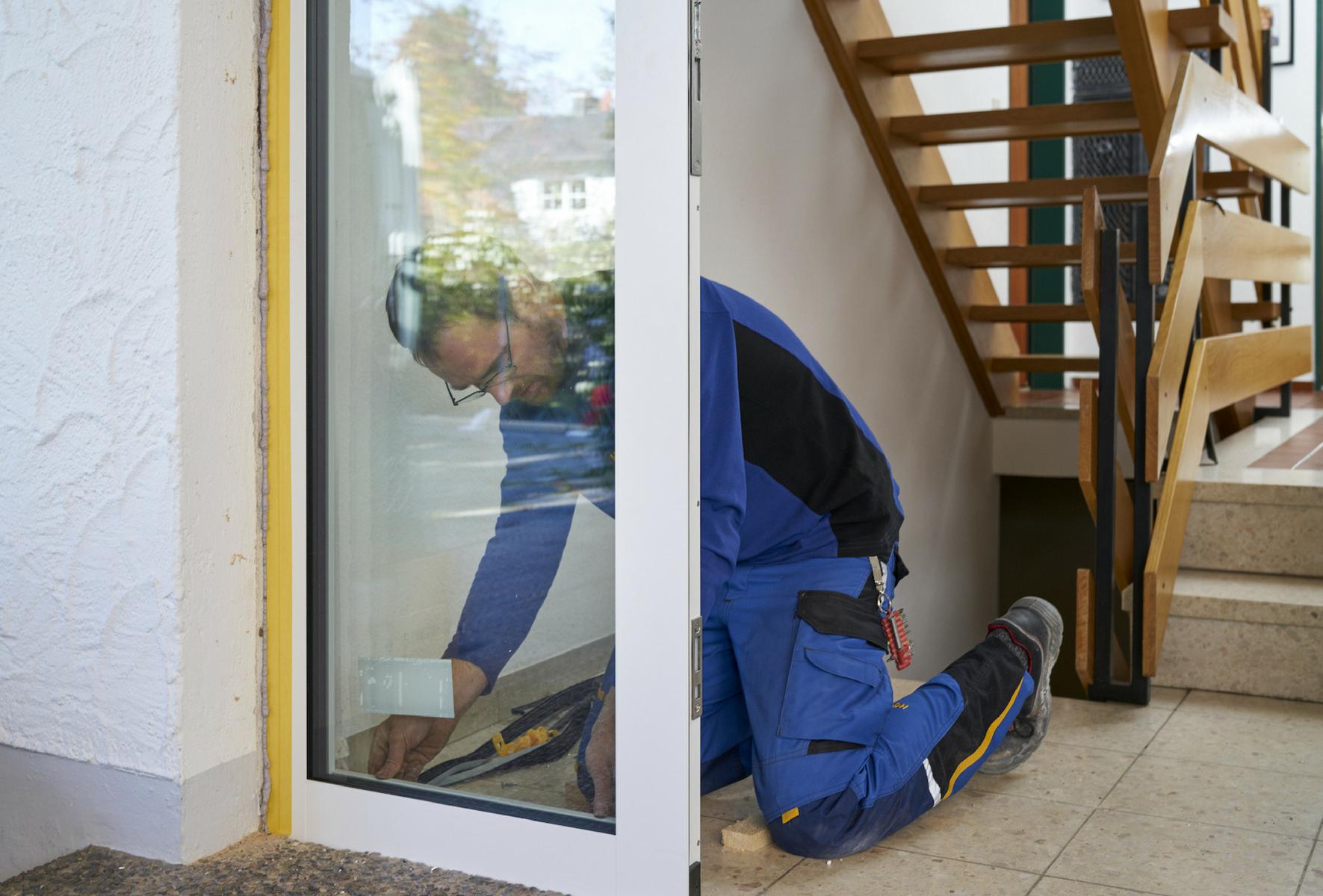Sehr Haustür tauschen: Kinderleicht mit Hilfe vom Fachmann QT57