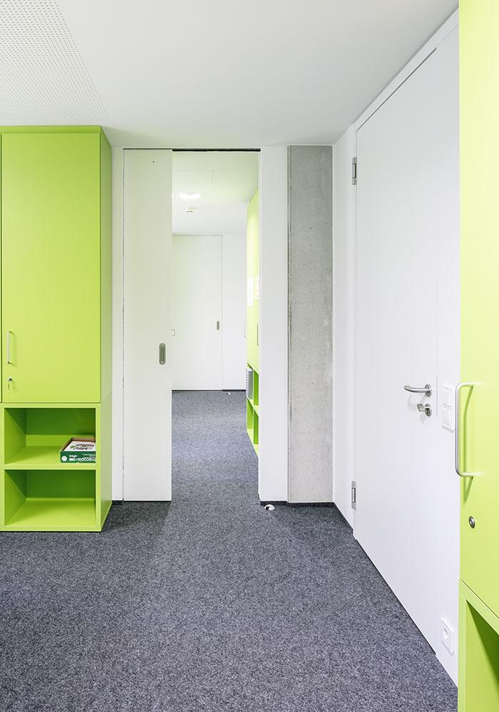 akademisch. Black Bedroom Furniture Sets. Home Design Ideas