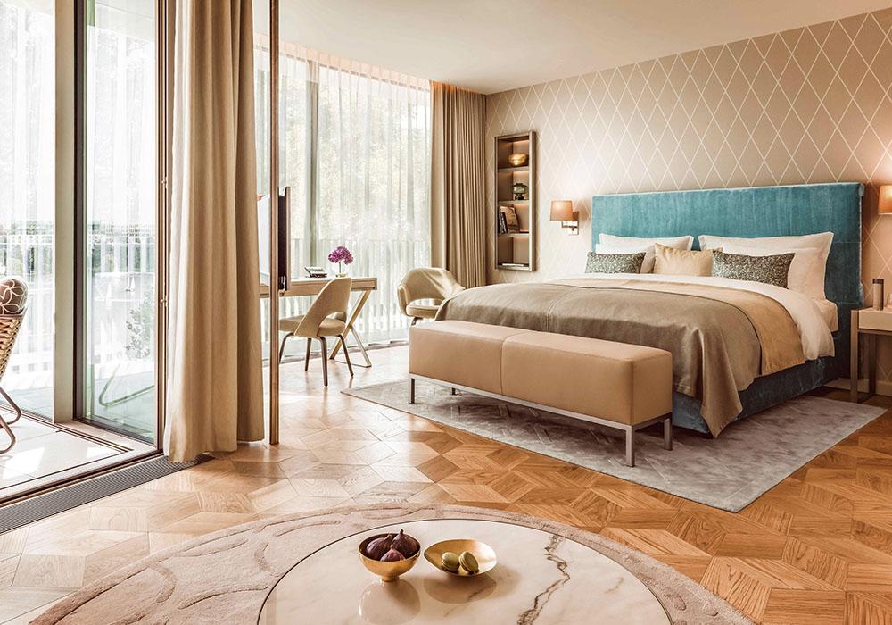 hotelkultur. Black Bedroom Furniture Sets. Home Design Ideas